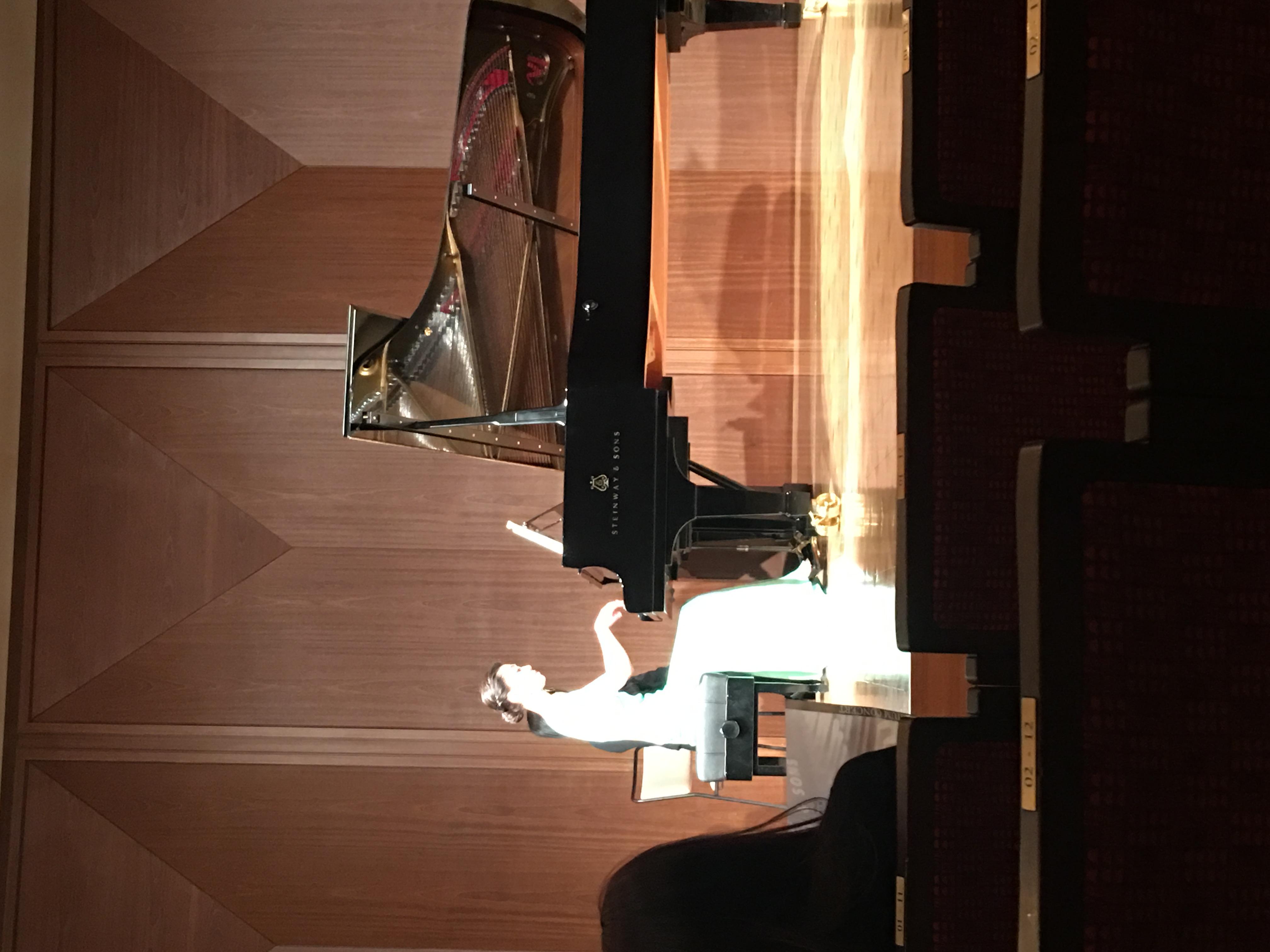 ピアノ演奏とフォーカス